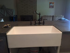 farmhouse sink and faucet